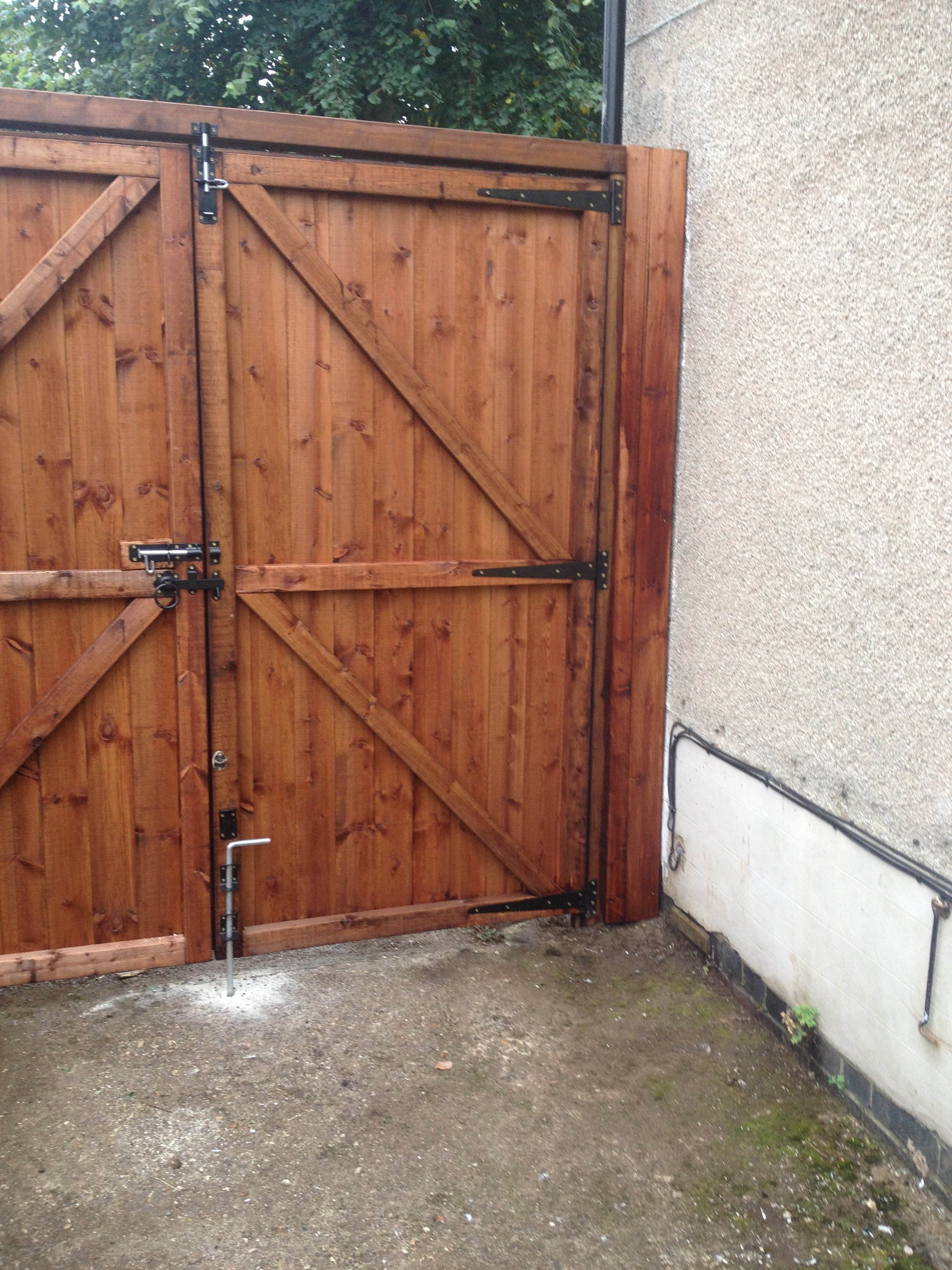 Tongue Amp Groove Driveway Gates Wardens Fencing